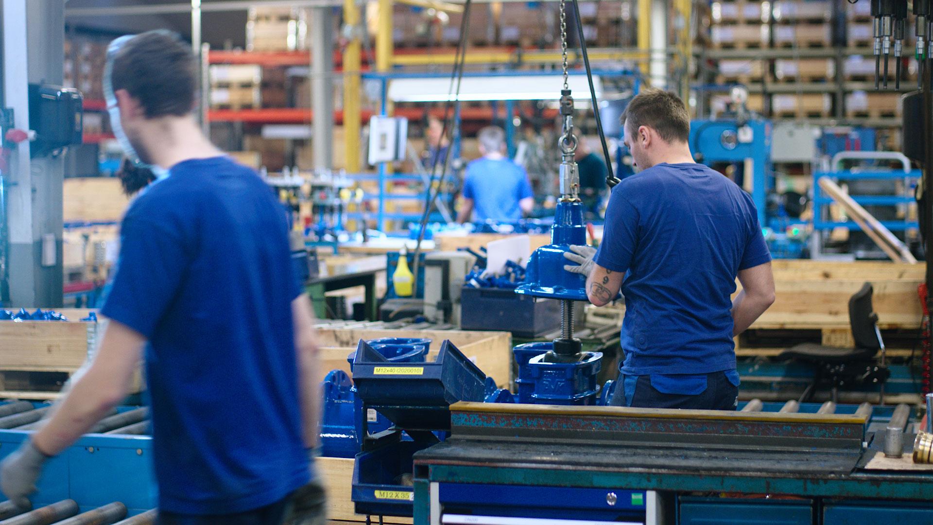 Arbejde på fabrikken hos AVK International