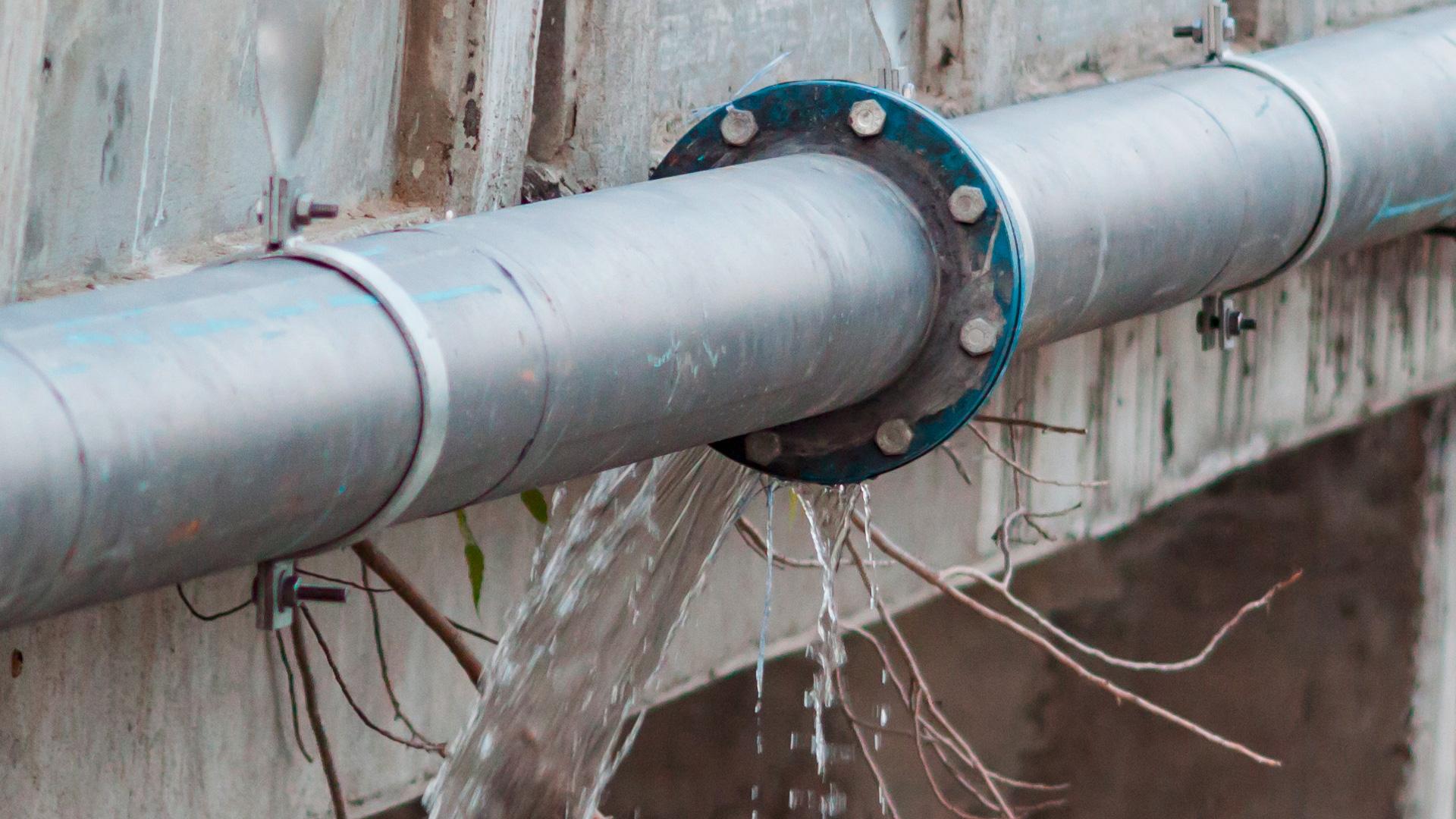 Vandspild som følge af brud på rør